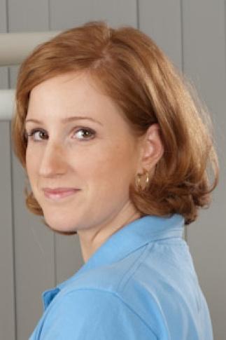 Dr. Viktória Auerbach